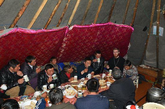 Священник Нарьян-Марской епархии посетил оленеводческую общину Ямб-То