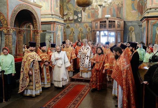 Божественная литургия в Архангельском соборе